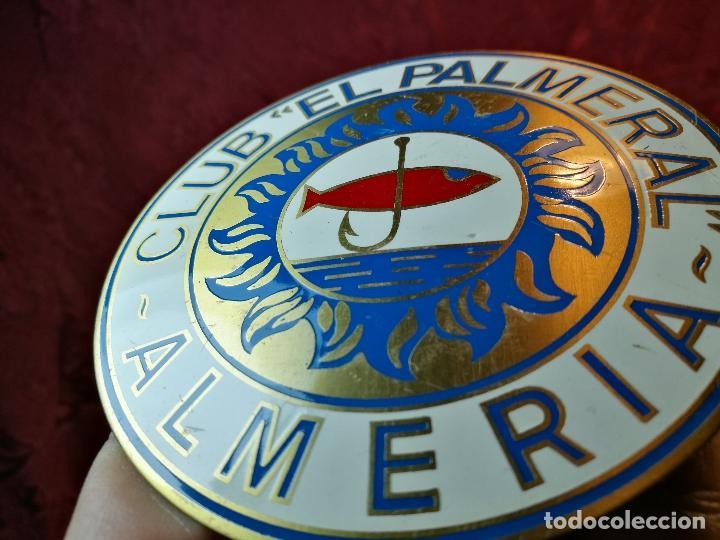 Coleccionismo deportivo: placa bronce grabado y esmaltado club pesca el palmeral--almeria--años 70 - Foto 4 - 105656579