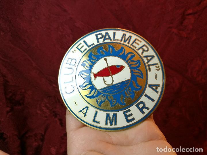 Coleccionismo deportivo: placa bronce grabado y esmaltado club pesca el palmeral--almeria--años 70 - Foto 10 - 105656579