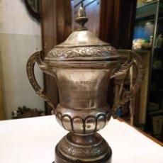 Coleccionismo deportivo: TROFEO ANTIGUO TIRO DE PICHON LA CORUÑA 1949. Lote 109262890
