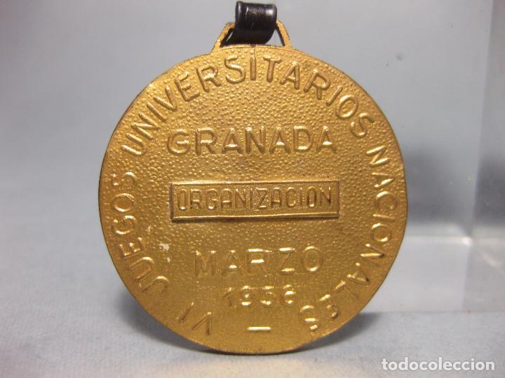 Coleccionismo deportivo: MEDALLA DE ORGANIZACIÓN DE LOS VI JUEGOS UNIVERSITARIOS NACIONALES - GRANADA 1956 - SEU - Foto 2 - 110625539