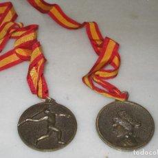 Coleccionismo deportivo: PAREJA DE MEDALLAS DE 1972 Y 1973 - ATLETISMO Y JABALINA. . Lote 113325755