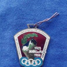 Coleccionismo deportivo: CAMPEONATOS DE CATALUÑA DE NATACIÓN JUVENIL MEDALLA ANIVERSARIO 1931-1956. Lote 113378267