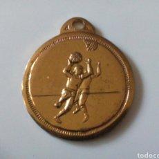 Coleccionismo deportivo: MEDALLA BALONCESTO CANOE 2000.. Lote 114021278