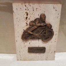 Collezionismo sportivo: TROFEO MOTOS XV REUNION INTERNACIONAL COLOMBRES 2002 ASTURIAS PARAISO NACIONAL BUEN ESTADO. Lote 115279639