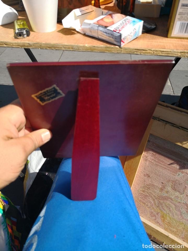Coleccionismo deportivo: Trofeo placa en madera FEDERACION GALLEGA DE BALONCESTO - Foto 3 - 115364959