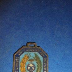 Coleccionismo deportivo: ANTIGUA MEDALLA - II SEMANA DEPORTIVA JULIO 1948 - PARTICIPANTE . 4X3 CM. . Lote 117936715