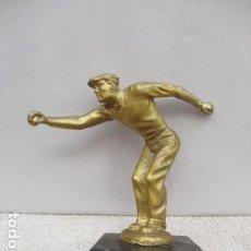 Coleccionismo deportivo: TROFEO FCO VIVES IN MEMORIAN 1981 - 21 CM DE ALTURA. MUY PESADO.. Lote 119326263