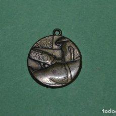 Coleccionismo deportivo: ANTIGUA MEDALLA DE BRONCE MACIZO - CAZA. Lote 119383827