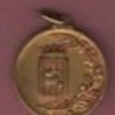 Coleccionismo deportivo: MEDALLA LATÓN - DE LA FEDERACIÓN CATALANA DE BALONCESTO - CAMPEON CATALUÑA 1ª DIVISIÓN 1956 - 1957. Lote 122298867