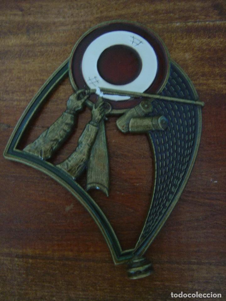 INSIGNIA O TROFEO DE TIRO AL BLANCO (Coleccionismo Deportivo - Medallas, Monedas y Trofeos - Otros deportes)