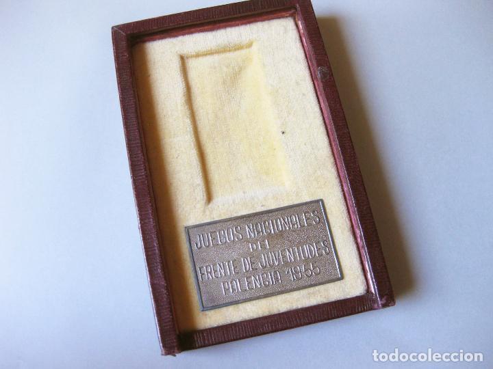 ESTUCHE DE MEDALLA DE LOS JUEGOS NACIONALES DEL FRENTE DE JUVENTUDES DE 1955 - FALANGE (Coleccionismo Deportivo - Medallas, Monedas y Trofeos - Otros deportes)
