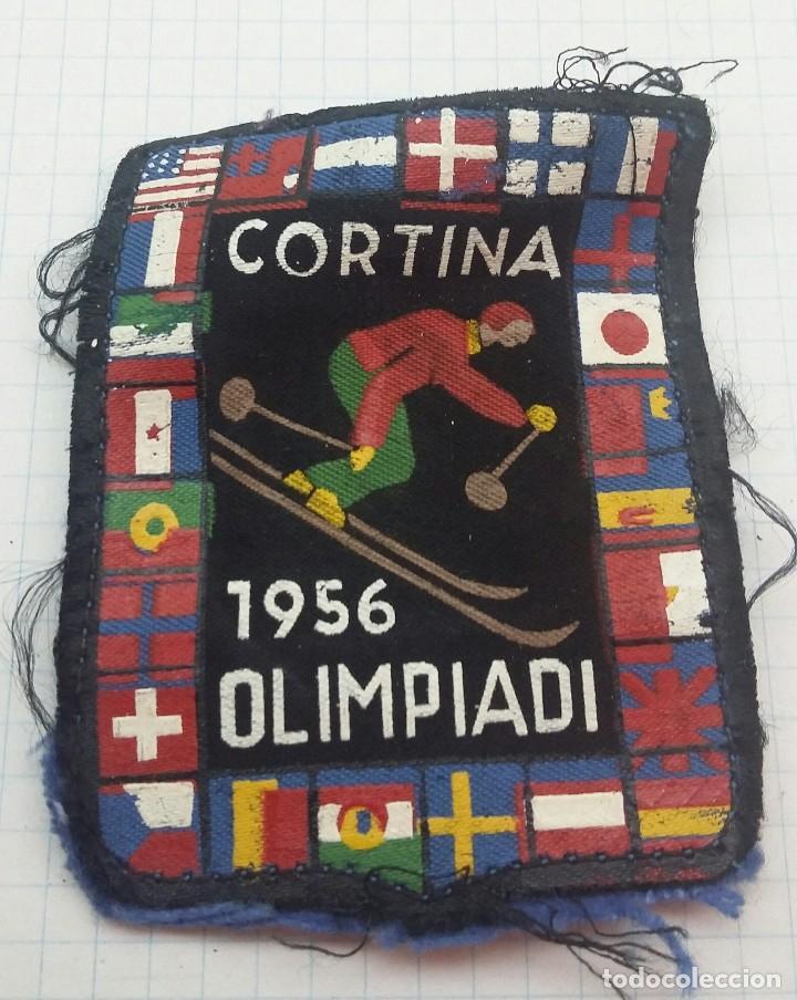 EMBLEMA DE TELA. ESQUÍ. OLIMPIADA CORTINA 1956. (Coleccionismo Deportivo - Medallas, Monedas y Trofeos - Otros deportes)
