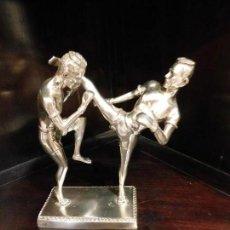 Coleccionismo deportivo: MUAY THAI - BOXEO TAILANDES. ESTATUA PLATEADA [BUEN TAMAÑO]. Lote 129750575