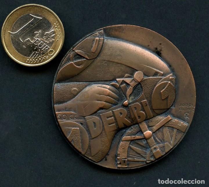 MOTOCICLISMO, MEDALLA, DERBI, CAMPEONA DEL MUNDO, G.P. 50 CC (Coleccionismo Deportivo - Medallas, Monedas y Trofeos - Otros deportes)