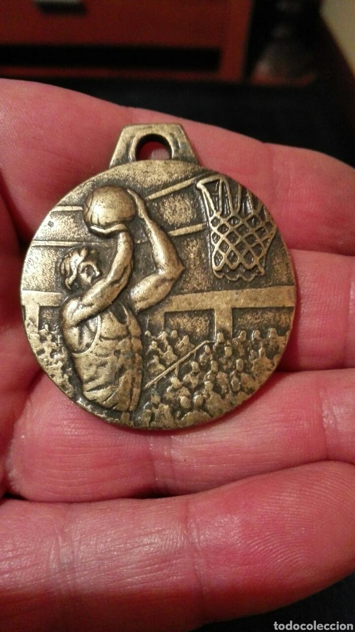 SG. MEDALLA DE BALONCESTO (Coleccionismo Deportivo - Medallas, Monedas y Trofeos - Otros deportes)