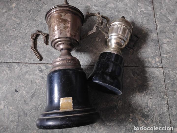 LOTE DE 2 TROFEOS DE METAL PLATEADO (Coleccionismo Deportivo - Medallas, Monedas y Trofeos - Otros deportes)