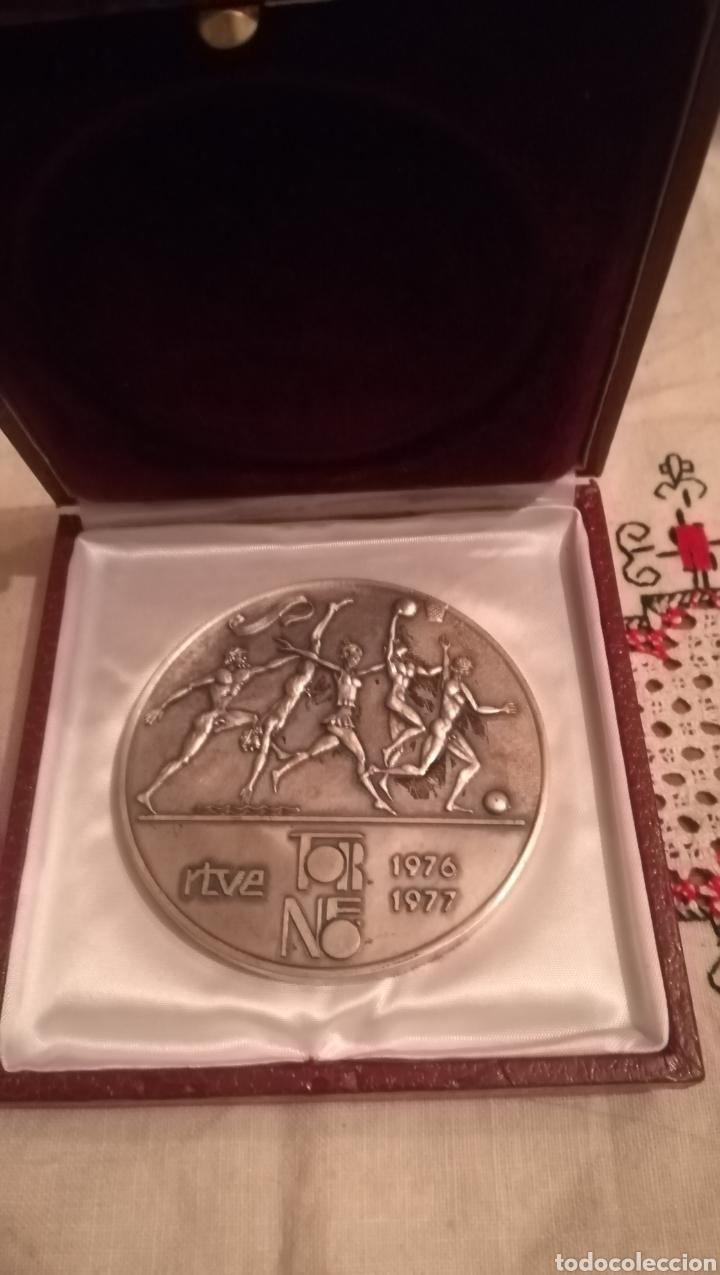 MEDALLON RTVE. TORNEO 1976,1977 (Coleccionismo Deportivo - Medallas, Monedas y Trofeos - Otros deportes)