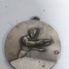 Coleccionismo deportivo: ANTIGUA MEDALLA DE BRONCE. TENIS DE MESA, PIN PON, PING PONG. Lote 142985654