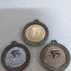 Coleccionismo deportivo: LOTE DE 3 MEDALLAS DE CICLISMO. ORO PLATA Y BRONCE. Lote 142992482