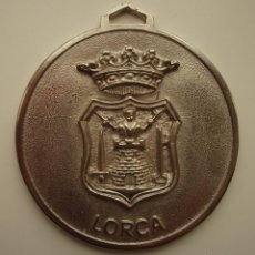 Coleccionismo deportivo: MEDALLA. CLUB DE TIRO OLÍMPICO VICTOR MELLADO. LORCA, MURCIA.. Lote 143663222