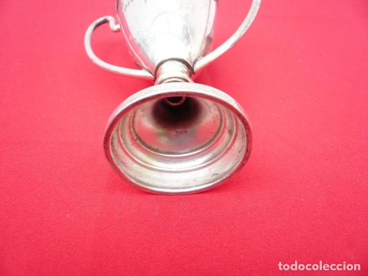 Coleccionismo deportivo: TROFEO DE ALPACA. PAREJA: 1 DE 1955 Y OTRO DE 1959 - Foto 5 - 144795818
