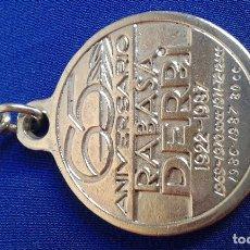 Coleccionismo deportivo: LLAVERO DERBI CAMPEONATO 65 ANIVERSARIO. Lote 145659910