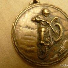 Coleccionismo deportivo: MOTOCICLISMO TRIAL. MEDALLA EN BRONCE 4 CMS. SIN FECHA NI DETALLE . Lote 152189462