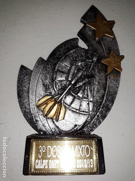 COPA TROFEO DE DARDOS 3º DOBLES MIXTO CALP CALPE DART LEAGUE 2012 13 DIANA ESTRELLAS 15 CM ALTO (Coleccionismo Deportivo - Medallas, Monedas y Trofeos - Otros deportes)