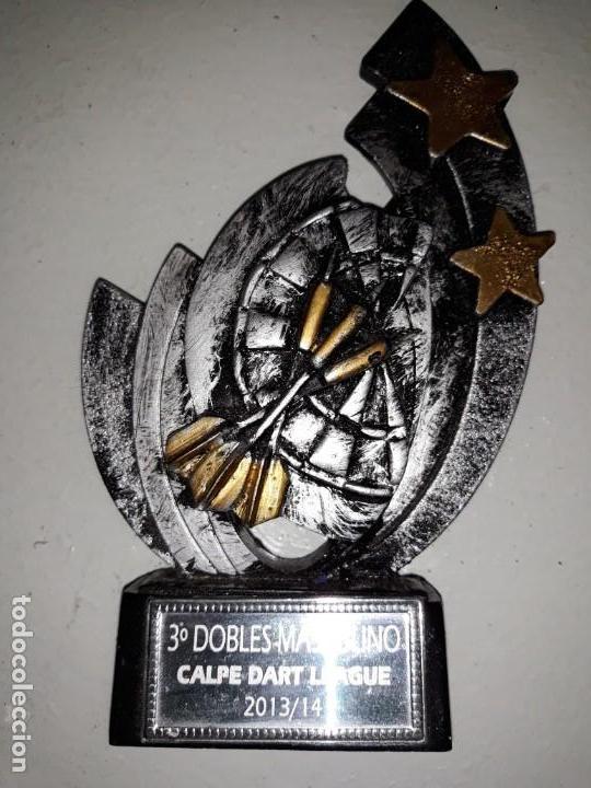 COPA TROFEO DE DARDOS 3º DOBLES MASCULINO CALP CALPE DART LEAGUE 2013 14 DIANA ESTRELLAS 15 CM ALTO (Coleccionismo Deportivo - Medallas, Monedas y Trofeos - Otros deportes)