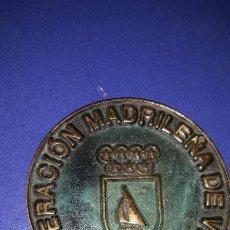 Coleccionismo deportivo: MEDALLÓN FEDERACIÓN MADRILEÑA DE VELA. Lote 155164382