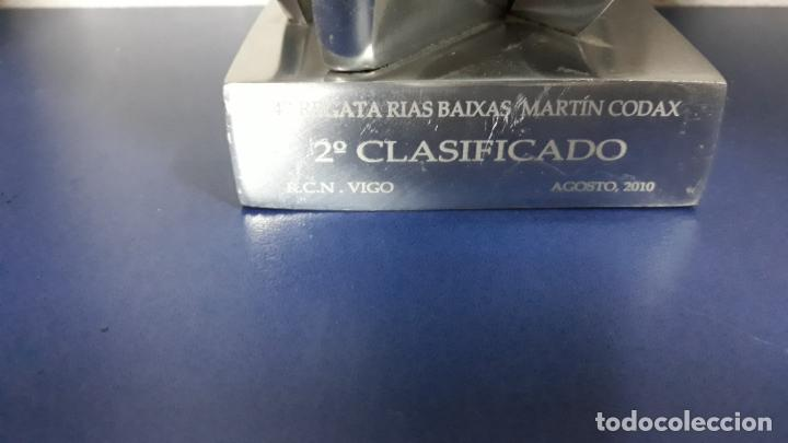 Coleccionismo deportivo: Original trofeo 2º clasificado 47 regata Rias Baixas Martin Codax Agosto 2010 - Foto 4 - 155986266