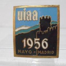 Coleccionismo deportivo: PLACA ESMALTADA, UIAA 1956 MAYO MADRID,FEDERACION INTERNACIONAL ESCALADA Y MONTAÑISMO, AÑOS 50. Lote 166888656