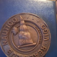 Coleccionismo deportivo: MEDALLA XX CAMPEONATO ESPAÑA NATACIÓN INVIERNO VIGO 1977. Lote 166954892