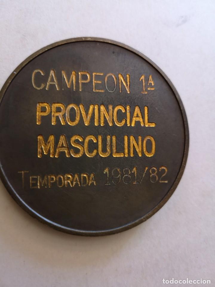 Coleccionismo deportivo: Medalla Canoe natacion clud campeón provincial masculino - Foto 2 - 168460764