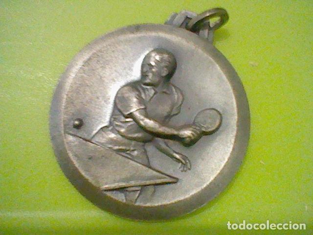 PING PONG PIN PON TENIS MESA MEDALLA AÑOS 60 APROX (Coleccionismo Deportivo - Medallas, Monedas y Trofeos - Otros deportes)