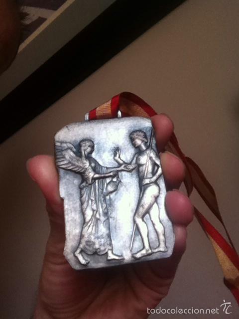 VII JUEGOS DEPORTIVOS. O.J.E. 1969 SUBCAMPEÓN BALONVOLEA LEÓN (Coleccionismo Deportivo - Medallas, Monedas y Trofeos - Otros deportes)