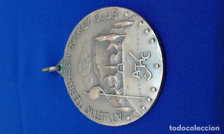 Coleccionismo deportivo: MEDALLA ATLETICO TERRASA HOCKEY CLUB 22 COPA DE EUROPA - Foto 5 - 178247016