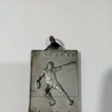Coleccionismo deportivo: RARA ANTIGUA MEDALLA OJE CAMPEONATOS 1962 - CAMPEON LANZAMIENTO DISCOS - VER FOTOS. Lote 181102288