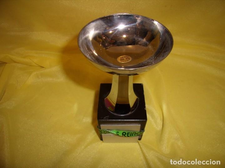 Coleccionismo deportivo: Trofeo acero inoxidable 18/8 de Reinox, años 80, pie de madera, Nuevo sin usar. - Foto 2 - 182961482