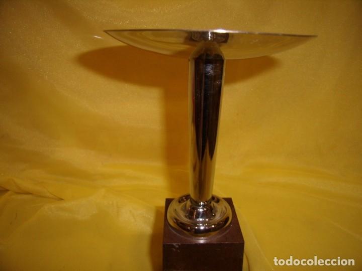 Coleccionismo deportivo: Trofeo acero inoxidable 18/8 de Reinox, años 80, pie de plastico, Nuevo sin usar. - Foto 3 - 182962038