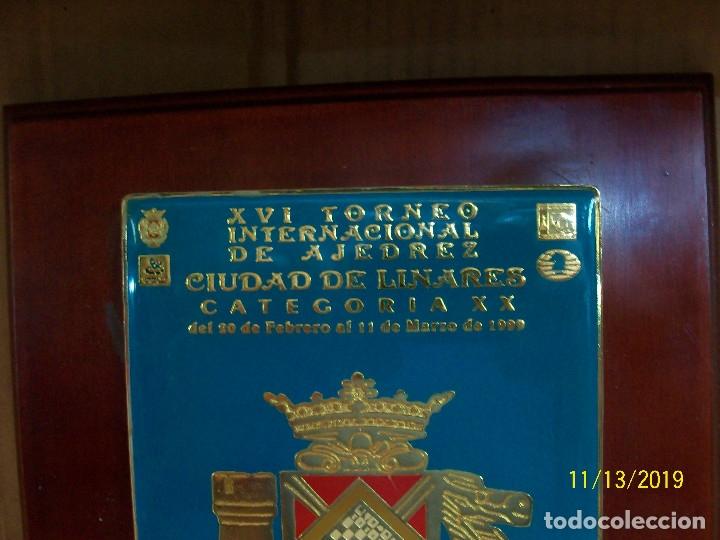 Coleccionismo deportivo: METOPA DE XVI TORNEO INTERNACIONAL DE AJEDREZ CIUDAD DE LINARES-CATEGORIA XX- - Foto 2 - 183195315