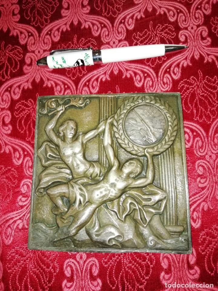 Coleccionismo deportivo: Antiguo bronce trofeo tiro al plato muy pesado 13x13 cm - Foto 2 - 183471063