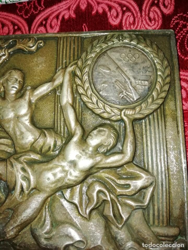 Coleccionismo deportivo: Antiguo bronce trofeo tiro al plato muy pesado 13x13 cm - Foto 3 - 183471063