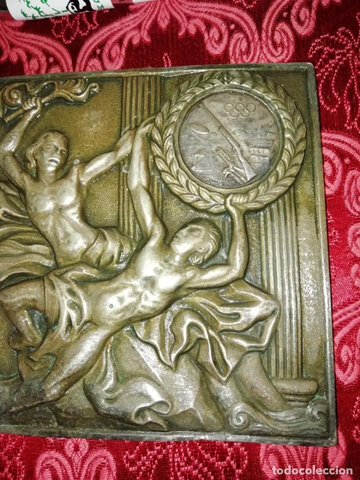Coleccionismo deportivo: Antiguo bronce trofeo tiro al plato muy pesado 13x13 cm - Foto 4 - 183471063