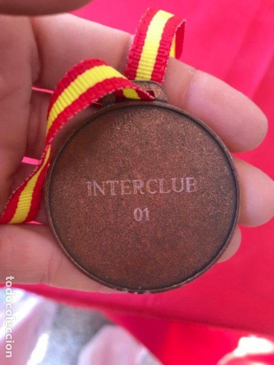 Coleccionismo deportivo: Antigua medalla judo artes marciales bronce laurel interclub cinta de españa - Foto 4 - 186152971