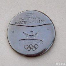 Coleccionismo deportivo: XXV OLIMPIADA DE BARCELONA 1992, MEDALLA DE AGRADECIMIENTO POR LA COLABORACION. Lote 187512452