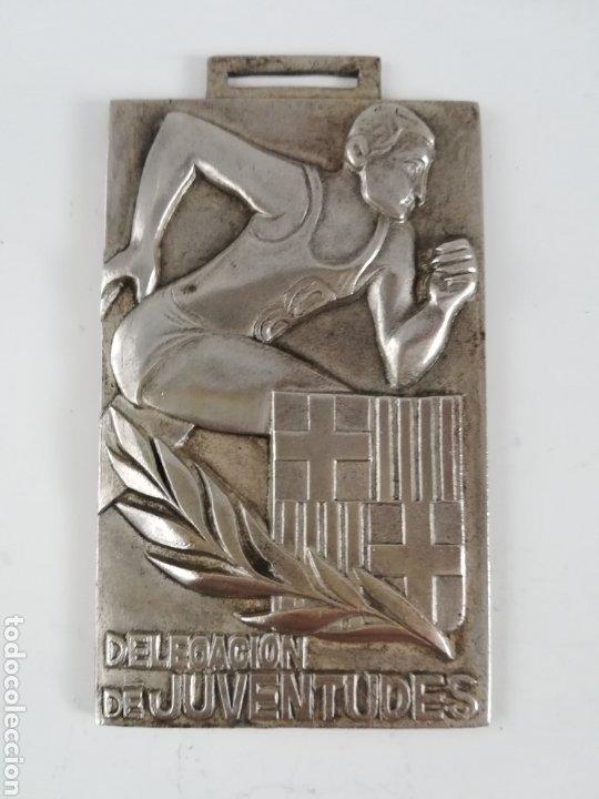 MEDALLA DELEGACIÓN DE JUVENTUDES BARCELONA 1969 - BALONCESTO JUVENIL - FRENTE DE JUVENTUDES FALANGE (Coleccionismo Deportivo - Medallas, Monedas y Trofeos - Otros deportes)