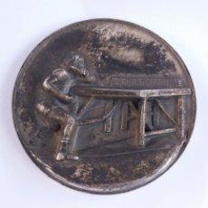 Coleccionismo deportivo: BONITA Y ANTIGUA MEDALLA TENIS DE MESA PING PONG, FIRMADA GLORIA. Lote 189320700