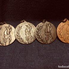 Coleccionismo deportivo: LOTE 4 MEDALLAS DEPORTIVAS COBRE BRONCE LATÓN MÉRITO JUEGOS DEPORTE ANTORCHAS SIGLAS FPTO 1969 . Lote 191862021