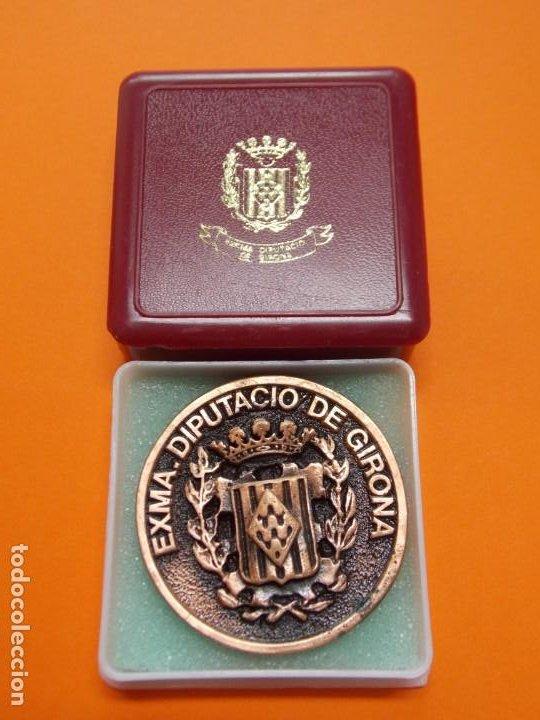 Coleccionismo deportivo: MEDALLA DE METAL - EXMA DIPUTACIÓ DE GIRONA - GRABADA - X ANIVERSARI CBS GIRONA 1997 .. L603 - Foto 3 - 192717358